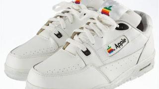 Sneakers Buatan Apple, Dijual dengan Harga Super Mahal