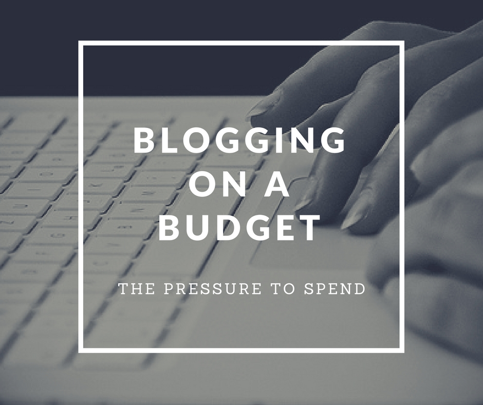 how bloggers afford shopping and make money