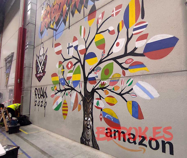 graffitis pared Amazon almacén