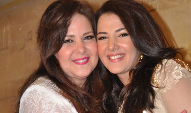 تفاصيل الحالة الصحية للفنانة دلال عبد العزيز وإبنتها دنيا