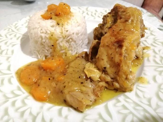Αρνάκι κατσαρόλας λεμονοριγανάτο με καρότα και ρυζάκι