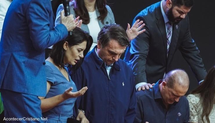 Jair Bolsonaro en iglesia evangélica