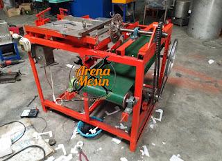 mesin pemotong kerupuk lontongan