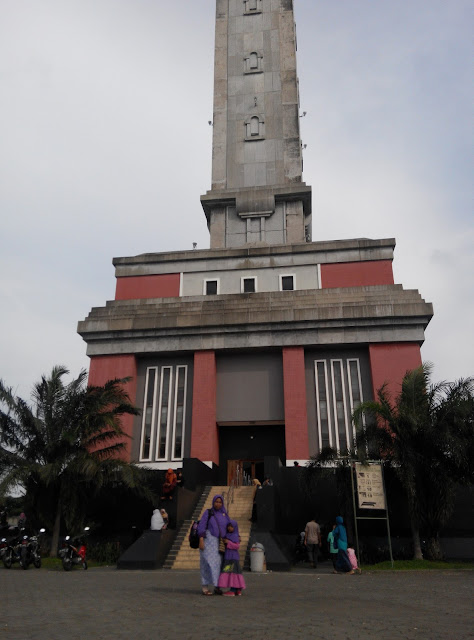 Menara Asmaul Husna Masjid Agung Jawa Tengah