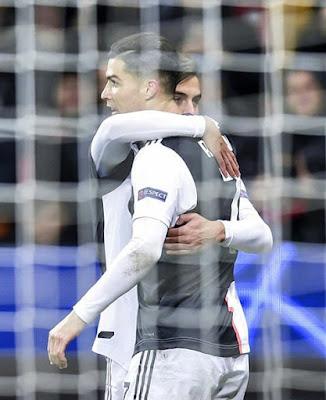 FT: LEVERKUSEN 0 - 2 JUVENTUS 75 #Cristiano #Ronaldo ⚽(Assist by Paulo Dybala) 90+2 Gonzalo Higuain ⚽( Assist by #Paulo #Dybala ) Player of the match #Cristiano #Ronaldo 👏 One word for #CRISTIANO #RONALDO ❤👇   #CR7