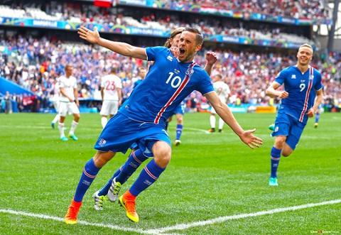 Gylfi Sigurdsson khá có duyên với Bóng đá Anh.
