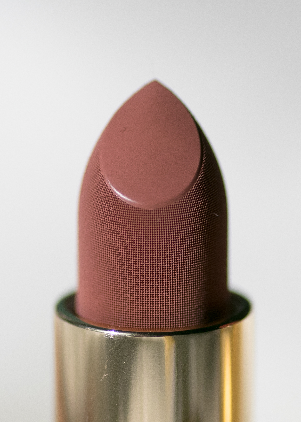 Lisa Eldridge True Velvet Lip Colour in Velvet Fawn