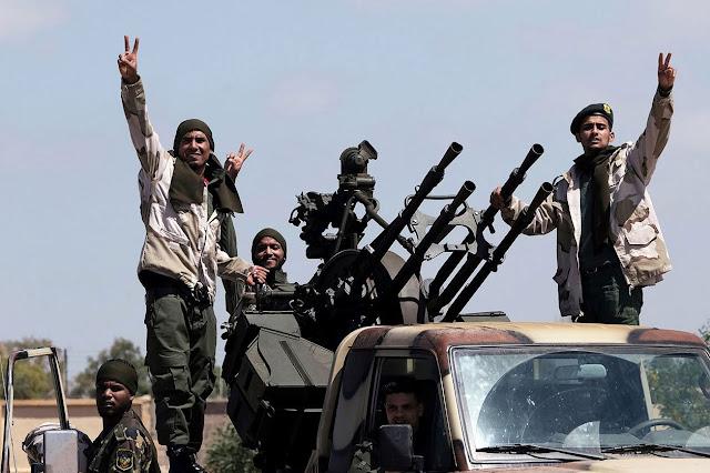 Turquía envió más de 300 mercenarios sirios a Libia