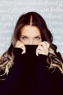 Beautiful-Girl-with-Blue-Eyes