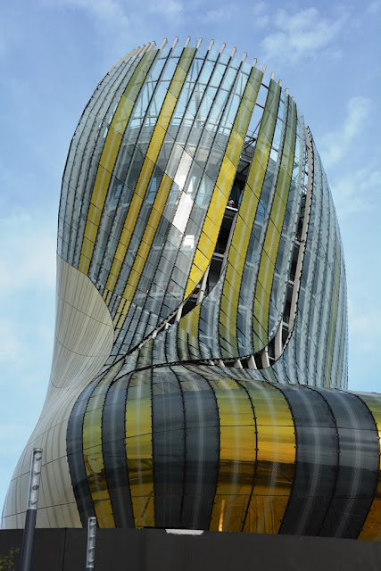 Cite du vin Bordeaux modern building
