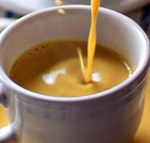 VANILLA TURMERIC GOLDEN MILK LATTE #drinks #healthy