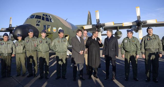 Macri visitó el primer avión Hércules remodelado íntegramente en Argentina