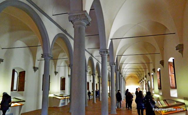 Primeira biblioteca pública do Ocidente: Mosteiro de San Maco, Forença