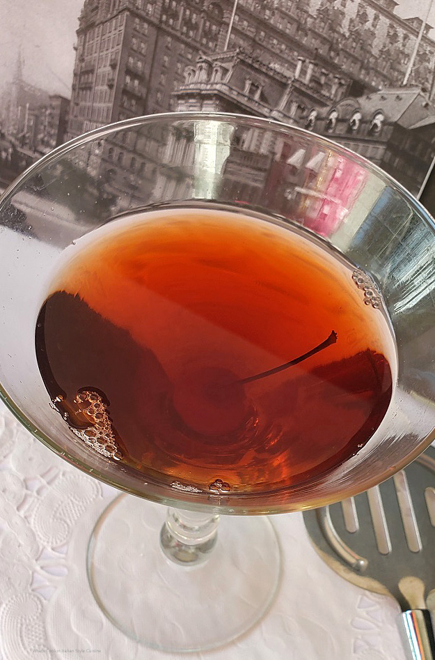 this is how to make a Rob Roy with scotch and Amaretto