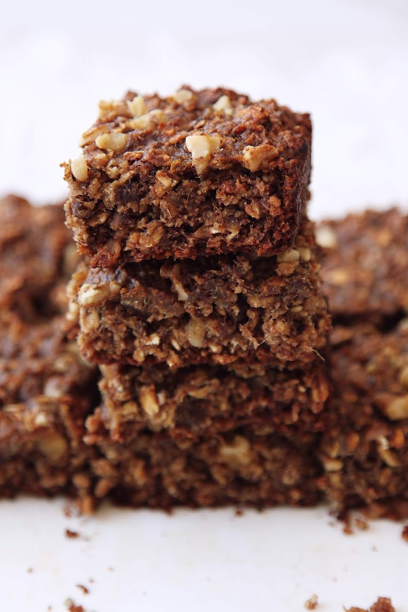 Healthy Oats and Dates Square