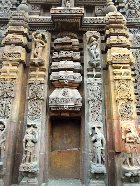 A empty niche on the temple wall, with exquisite decorations, Mukteshwar Temple Bhubaneshwar