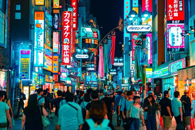 tokyo night crowd