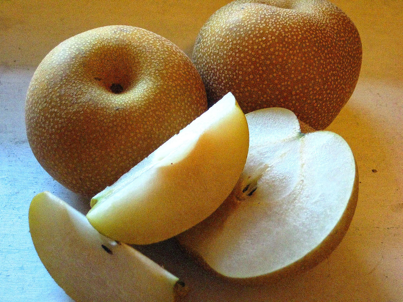 Steamed Pear with Rock Sugar - home remedy for cough & sore