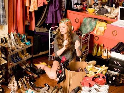 Os delírios de consumo de Becky Bloom | Blog Mente Viajante