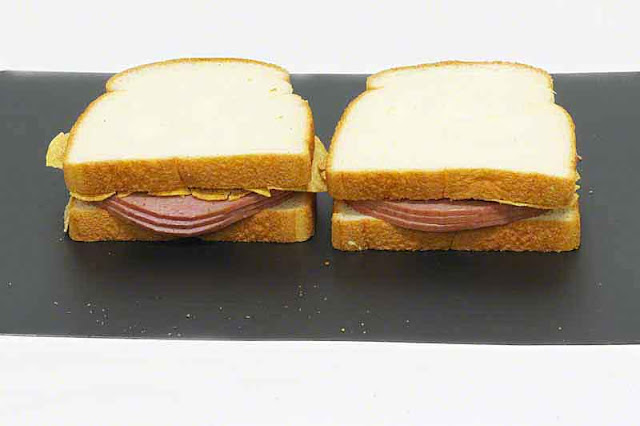 Turkey salami sandwiches with barbecue flavor potato chips