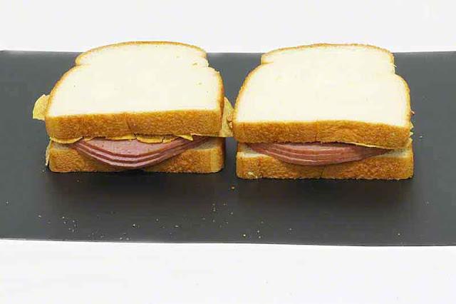 Turkey salami sandwiches with barbecue flavor potato chips