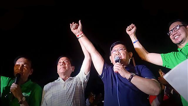 Angeles City Mayor Endorses Duterte for President