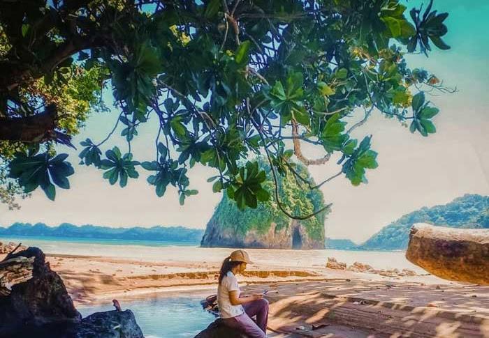 Pantai Kaliapus Malang Selatan - Daya Tarik Wisata dan Rute Lokasi