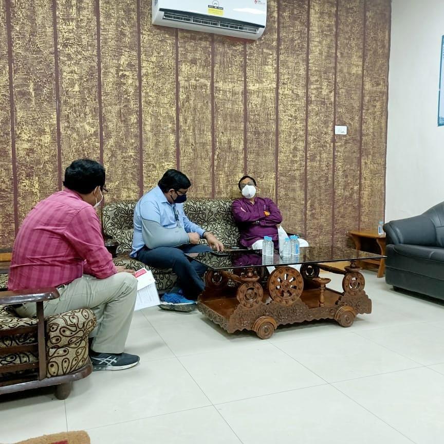 Jhabua News-  रेल महाप्रबंधक से सासद गुमानसिह ने चर्चा कर समस्याओ के निराकरण की माग की