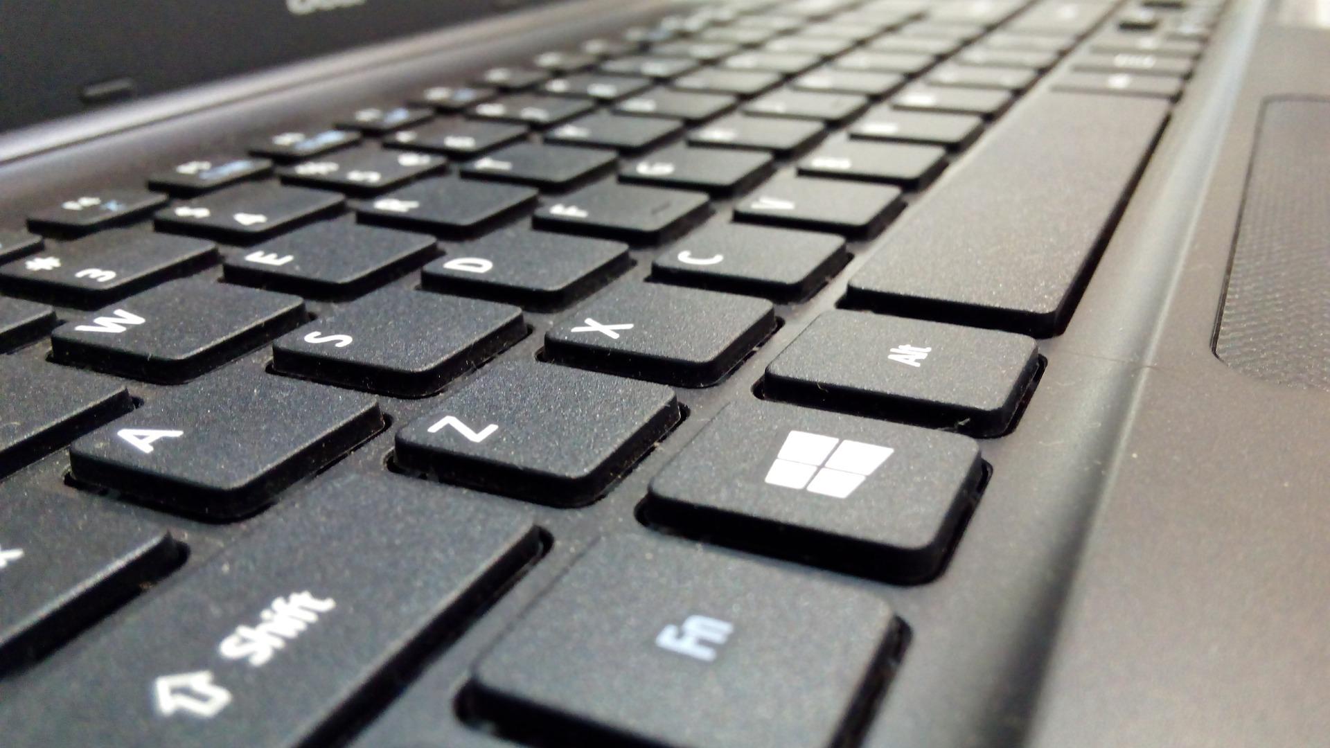 صورة للوحة مفاتيح كيبورد للكمبيوتر