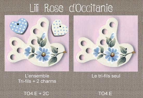 """Tri-fils bois peint """"Oiseau blanc & fleurs bleues"""" + charms assortis. Broderie et point de croix"""