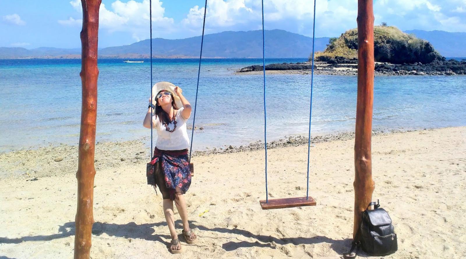 cewek cantik dan manis Wisata Pulau Nisa Pudu - NTB
