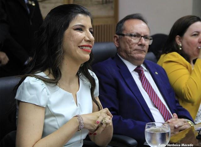 MERECIDO: JORNALISTA ANNA RUTH RECEBE TÍTULO DE CIDADÃ NATALENSE