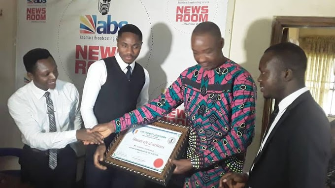 LAWSA, UNIZIK Presents Ambassador Of Justice Award To ABS Director of News, Okpalaeze By David Okpokwasili