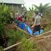 Polsek Sinaboi Dan Rombongan Gelar Pembuatan Kanal Bloking Bersama Warga