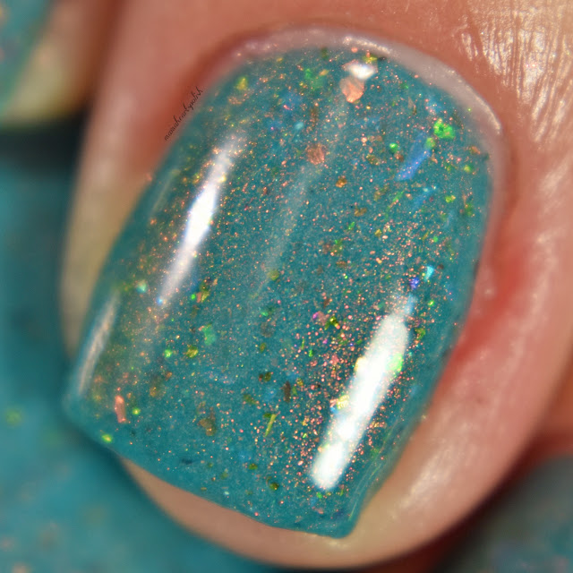 sassy-cats-lacquer-ocean-wildfires-3-coats-macro