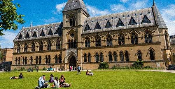 Câu hỏi tuyển sinh kỳ cục tại ĐH Oxford Anh Quốc