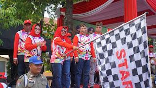 Walikota Berangkatkan Ribuan Peserta Gerak Jalan Mojosuro 2019