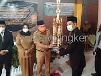 Kang giri bupati Ponorogo hadiri Launching kelas unggulan,dan serahkan trophy dalam rangka HUT ke-37 MTsN 4 Ponorogo