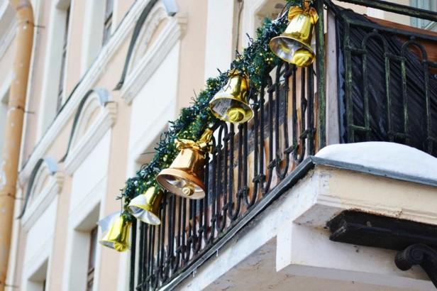 DECORACIÓN DE BALCONES EN NAVIDAD by artesydisenos.blogspot.com