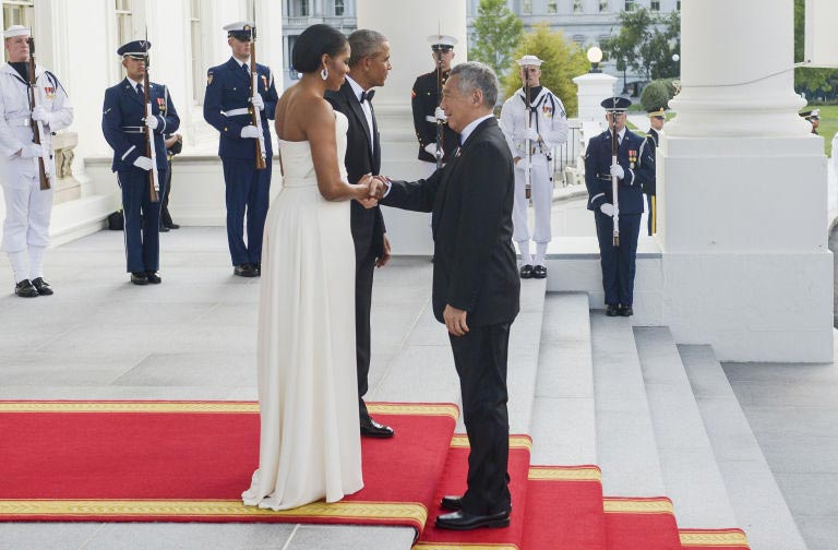 Photos: Michelle Obama stuns as the Obama's host Singapore prime minister to dinner