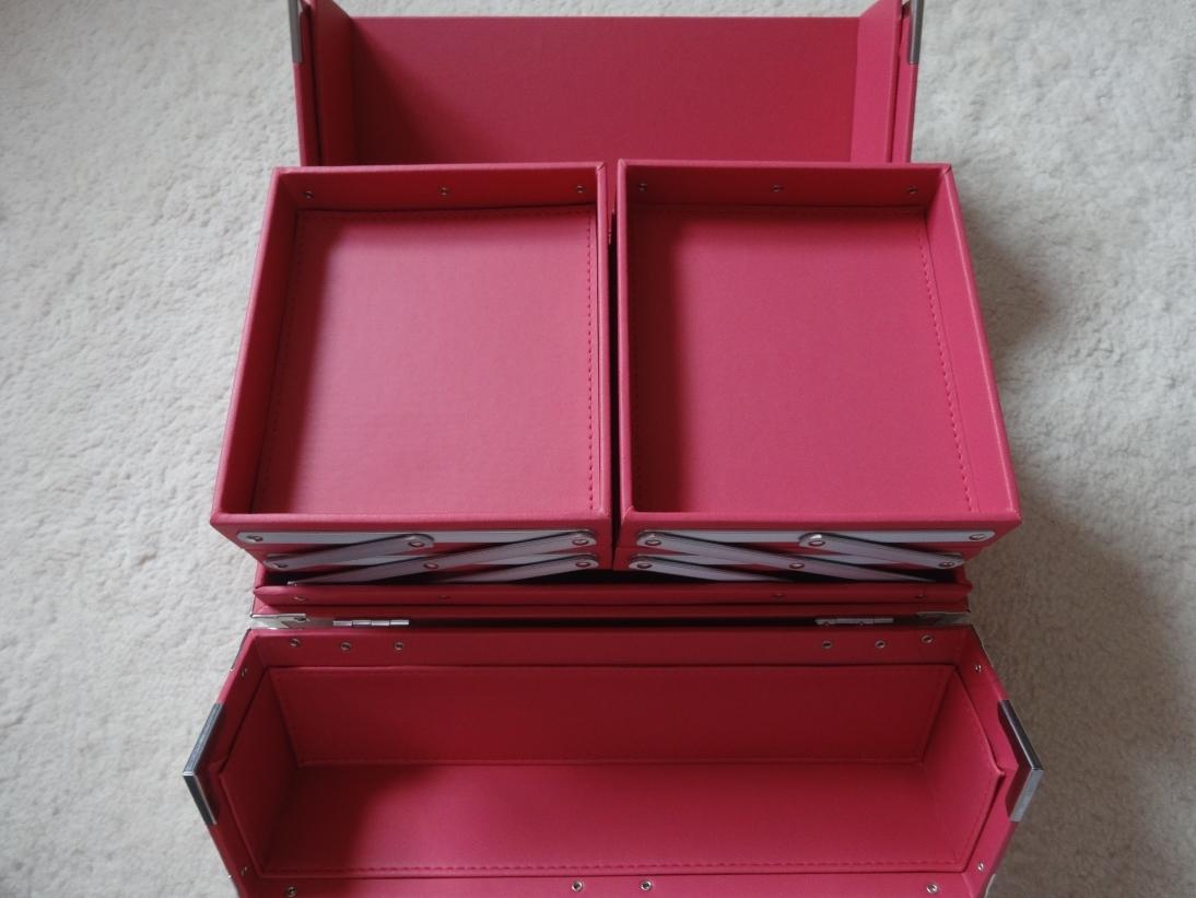 Japonesque Medium Train Case Pink review! - Not Enough Lip Gloss bae3ceb8cc3be