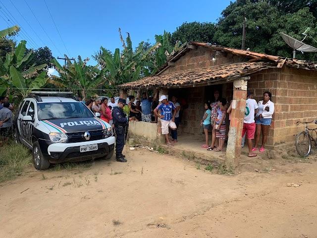 Quatro pessoas são presas suspeitas de triplo homicídio a golpes de facão em São Benedito