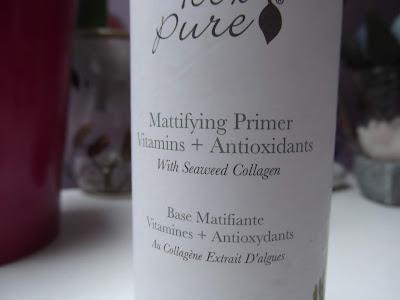 Zmatňujúca báza pod make-up s vitamínmi, antioxidantmi a kolagénom z morských rias.