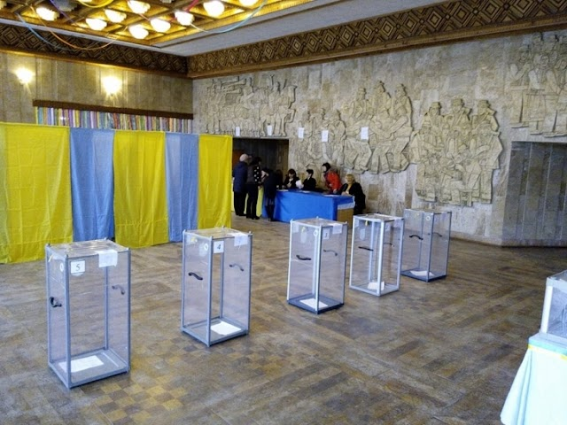 У Василькові зафіксовано масові фальсифікації на користь одного з кандидатів в мери