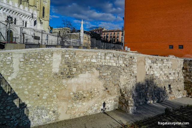 Madri, Muralha árabe próxima à Catedral de la Almudena