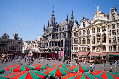 E Agora Para Algo Completamente Diferente: Análise Crítica/Turística a Bruxelas (Bélgica)