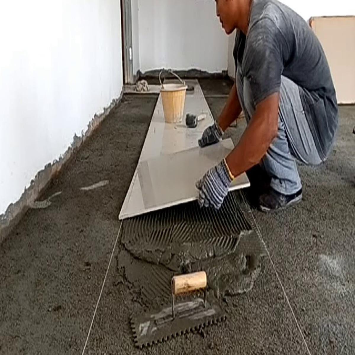 memasang keramik lantai dengan acian