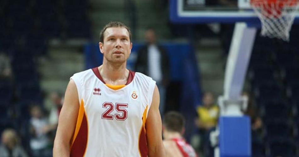 Darius Songaila, Popovich'in ekibinde!