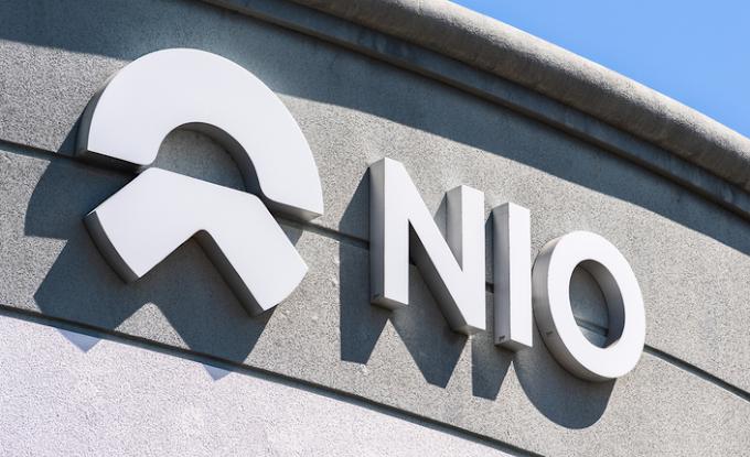 Las entregas de Nio en agosto se duplican a un récord, pero las acciones caen