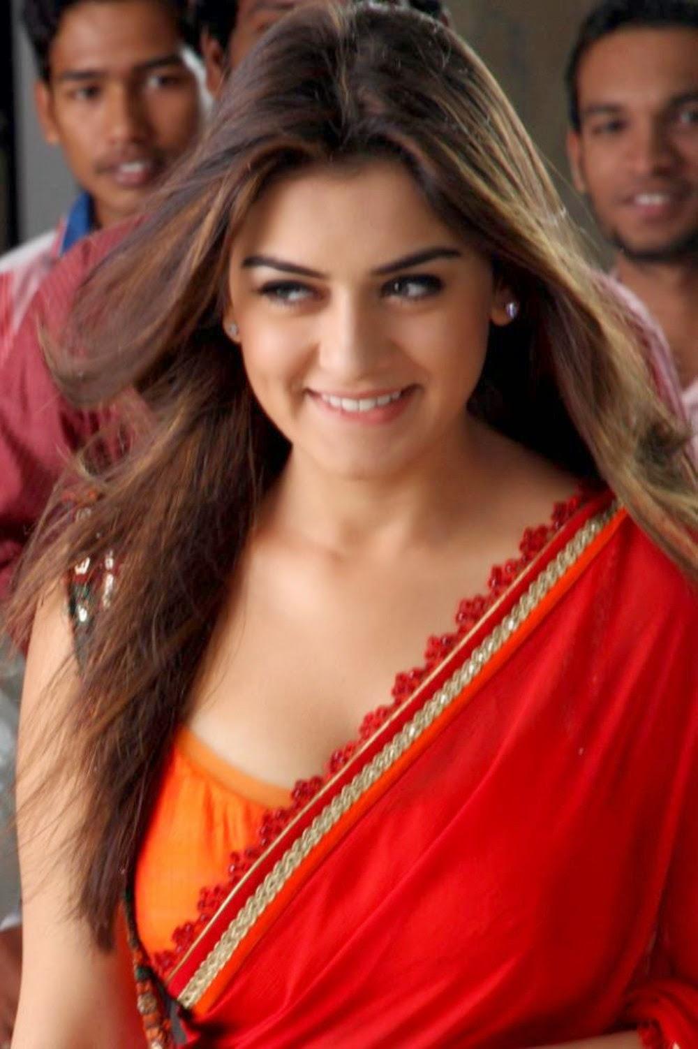 Hansika Red Saree Pallu Drop Big Boobs Cleavage Exposing -3766